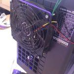 水槽用クーラーの冷却能力強化:PCファンを利用した排熱ファン増設